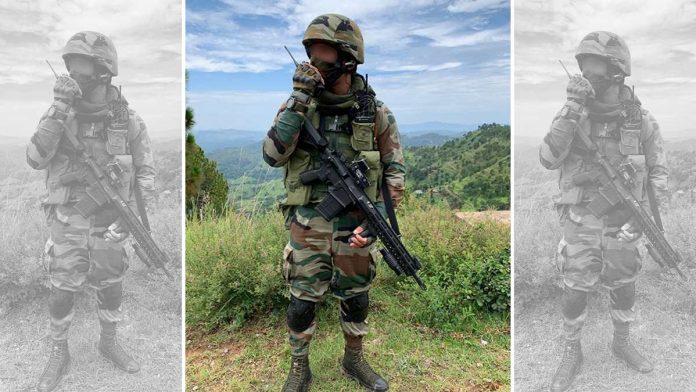 Army-soldier-at-LoC-with-SiG-rifle-696x392.jpg