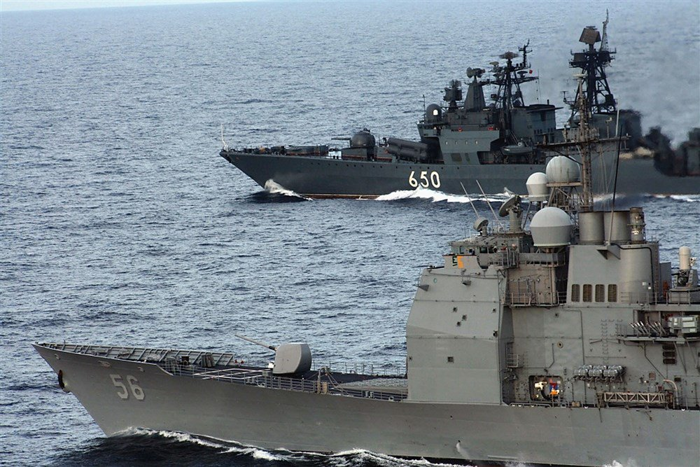 guided-missile-cruiser-USS-San-Jacinto-and-Russian-Navy-destroyer-Admiral-Chebanenko.jpg