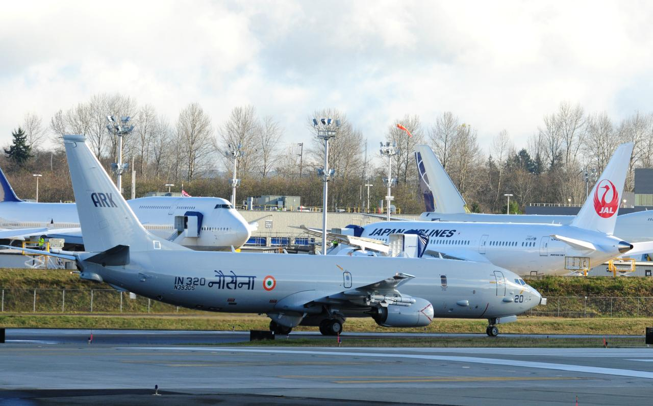 Indian-Navy-Boeing-P-8I-Aircraft-IN-320-02.jpg