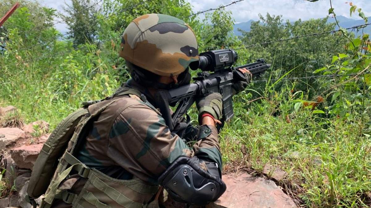 SiG-716-rifle-with-night-sight-Indian-Army.jpg